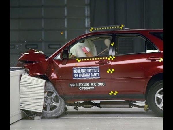 1999 Lexus RX 300 Moderate Overlap Crash Test IIHS