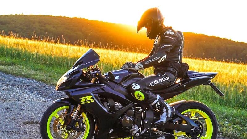 4 Superbikes Having Fun | S1000RR, GSX-R600 and Yamaha R6 | Ridezone