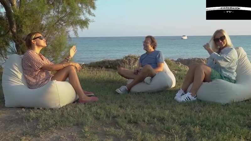 Saba Tümer Mini Etek Bacak Kalça Gögüs Frikikleri KAÇIRMA - YouTube