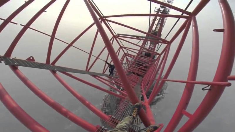Бесстрашные русские руферы залезли на 650 метровую башню в Шанхае