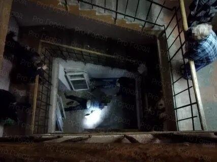 Трагедия в Йошкар-Оле: двое мужчин разбились, упав в лестничный пролет