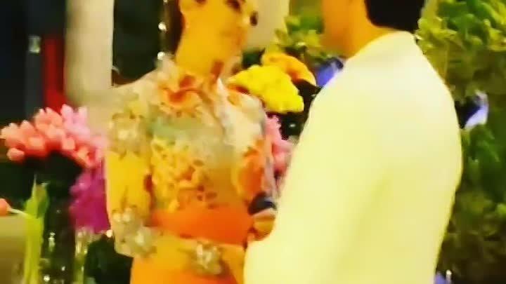 Виктория Боня в качестве гостьи была на кинофестивале в Доминикане и выходила в прямой эфир снимая знаменитостей