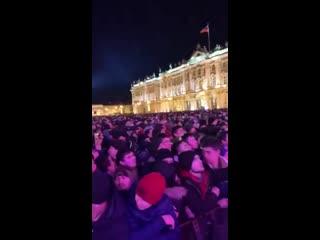Дворцовая площадь в питере в новогоднюю ночь