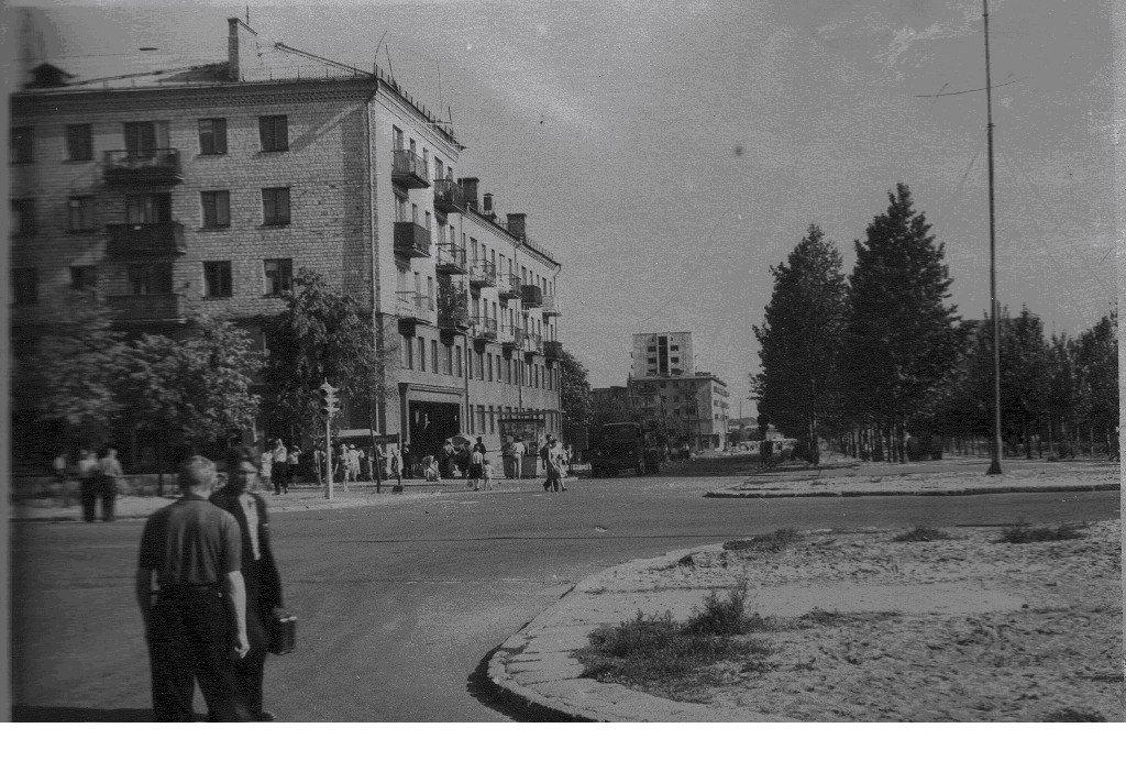 """Таким угол Машерова и бульвара Шевченко в Бресте вы ещё не видели. """"Ламповым"""""""