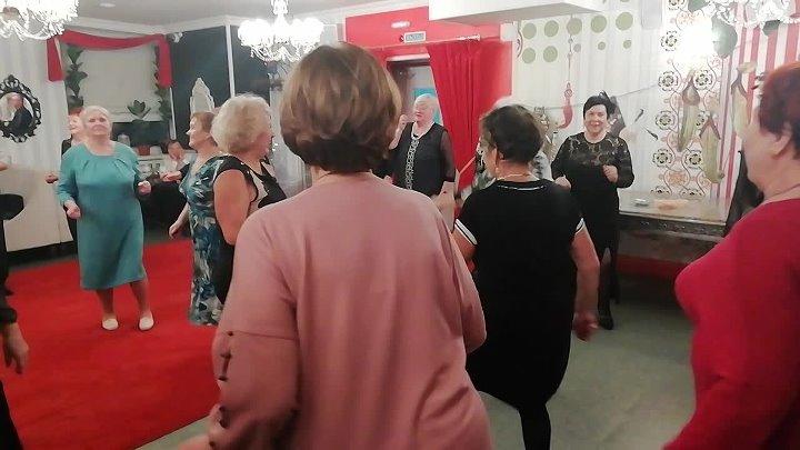 Танцы в Кстово 29 .11. 19. - Ты очень красива .гр . Смена . М . Молоков .