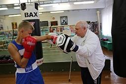 Мастер-класс от гуру липецкого бокса посетил вице-губернатор