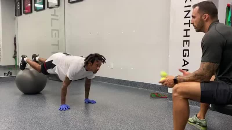 Combined core and hand eye coordination work with the homie @chosen1ra of @panthers