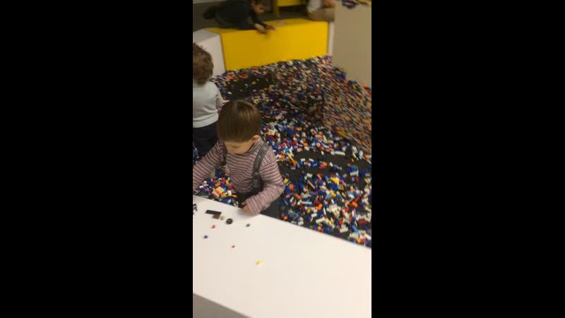 Сёма в Мире кубиков