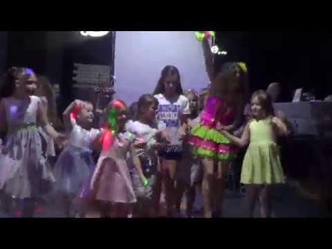 Гавайская вечеринка в студии моделей Baby Fashion. Праздничное агентство КОЛИБРИ г.Выкса