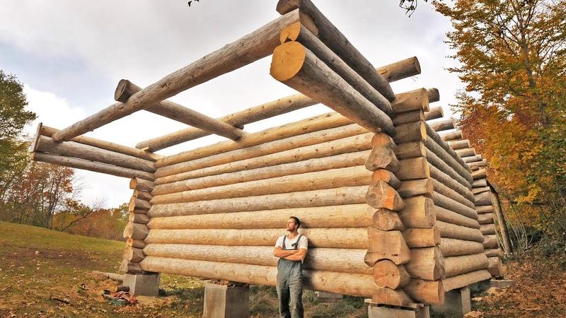 Один год постройки бревенчатой хижины / Одиссея одного человека строит дом своей мечты