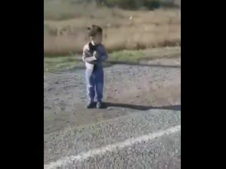 В алтайском крае два малолетних пацана угнали у бати bmw