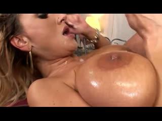 ПОРНО -- ЕЙ ТУТ 35 -- МАМИНЫ СИСЬКИ ПРИВЛЕКАЮТ МУЖИКОВ  -- МЖМ-- 2009 -- milf porn sex --  Sharon Pink