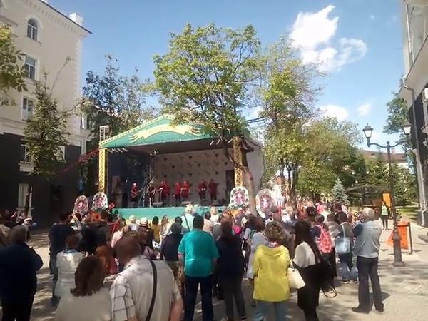 Deventer Hanze Zangers исполняют Катюшу