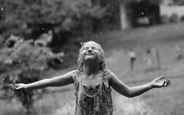 Я вот подумала, счастье оно ведь у каждого свое, а давайте соберем глаголы счастья!