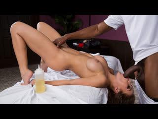 Megan Rain (Spa For Horny Housewives 2) porno порно