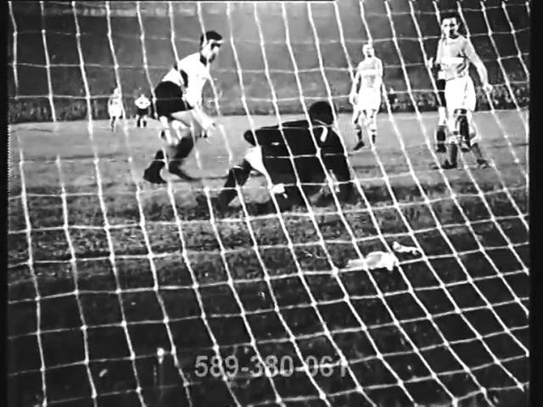 110 000 spectators 1957 (04.09) Milan (Italy) - Spartak (Moscow USSR) - 3:3 Friendly Match