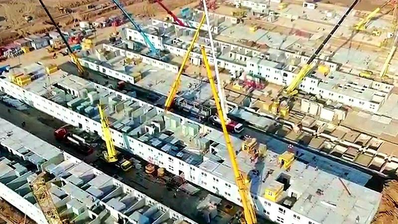 Вид с квадрокоптера на ход строительства новой больницы для зараженных коронавирусом в ТиНАО 28.03