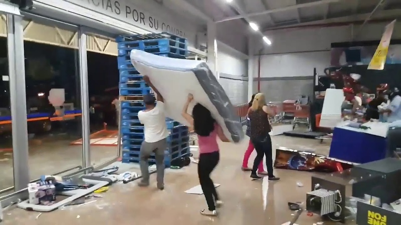 Corona Virus Mexico Looting
