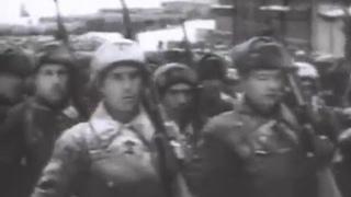 Марш защитников Москвы (документальные кадры).