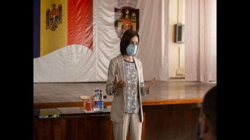 Санду набирает больше голосов чем Додон на президентских выборах в Молдове