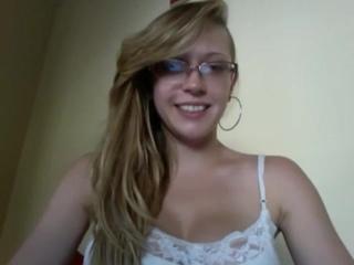 домашнее порно с Kagney Linn Karter соло маструбация вебкамера большие сиськи