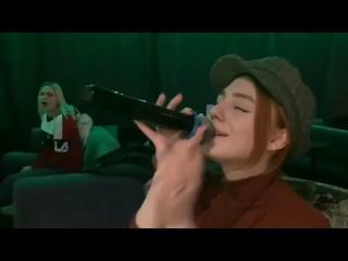 Очень красиво поёт Кристина 🔥Прям,как настоящая певица Ёлка😊