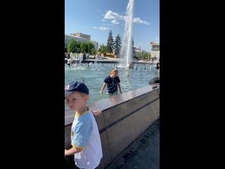 На фонтане г.Пенза))))