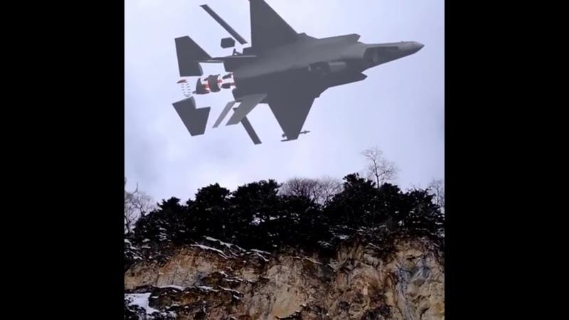 тестируют чудеса лжеантихриста, с помощью земных технологий, видно муляж самолета