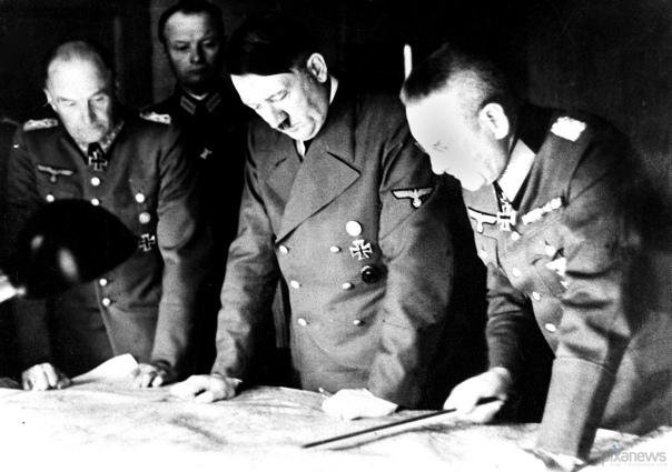 Тень над Россией. Если бы победил Гитлер. В конце сентября 1941 года командование вермахта начинает операцию «Тайфун». Москва должна быть захвачена до наступления морозов Известно, что нашу