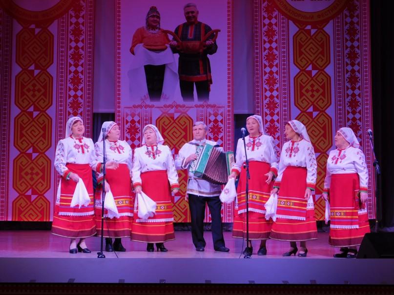 Выступление коллектива «Уяв» на областном чувашском фольклорном фестивале «КЁР СÄРИ»