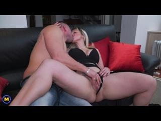 Naughty housewife Daniela Evans fucking and sucking  -