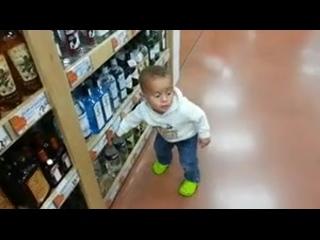 Видео как видят тебя продавцы, когда ты покупаешь алкоголь as sellers see you when you buy alcohol rfr dblzn nt,z ghjlfdws?