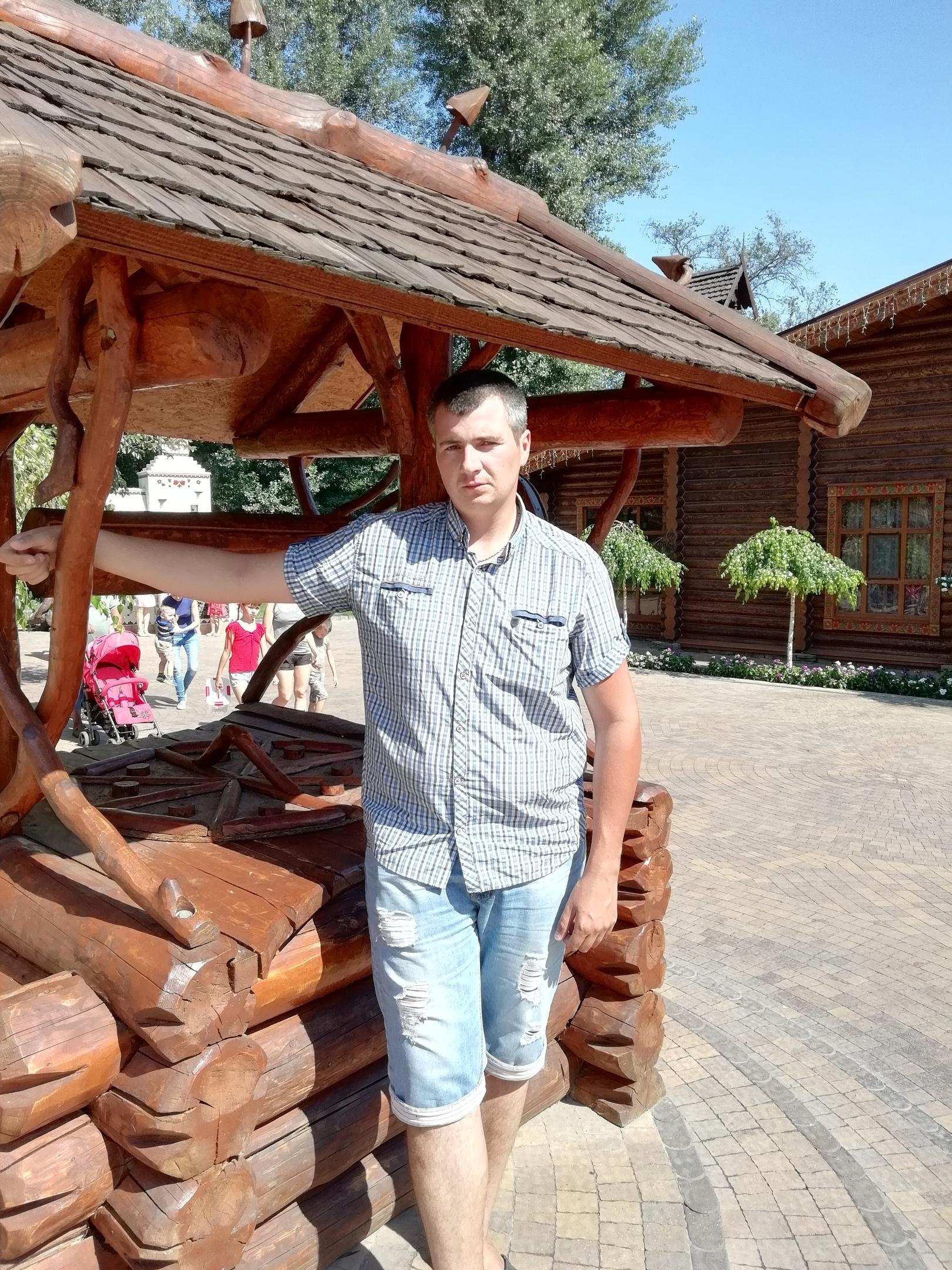 Виталий, 32, Kamensk-Shakhtinskiy