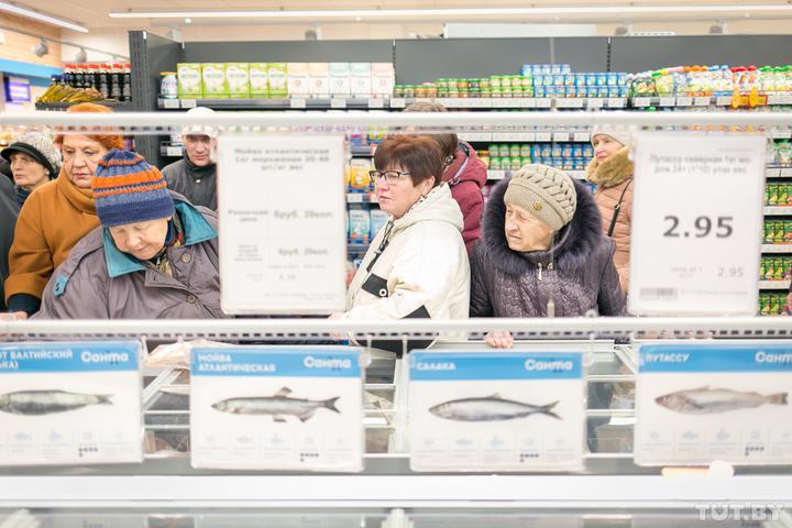 Чиновники придумали, что сделать, чтобы белорусы покупали больше отечественных продуктов