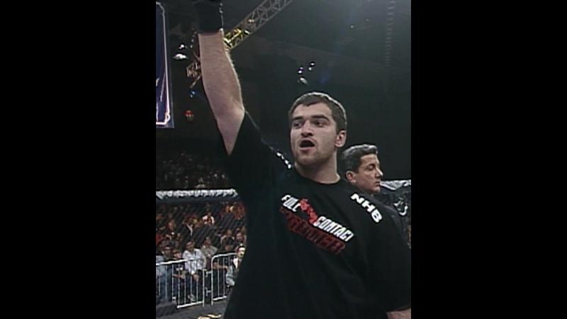 Андрей Орловский дебютировал в UFC в ноябре 2000 года