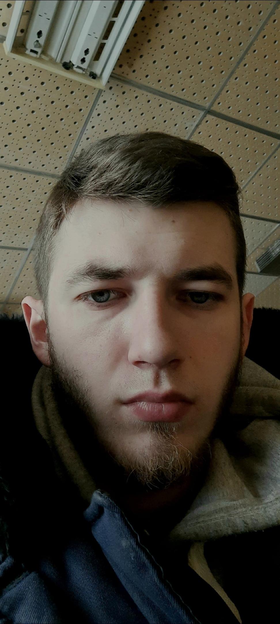 Сергей, 22, Krasnoznamensk