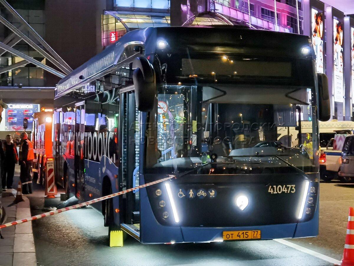 Уголовное дело о гибели человека в результате наезда электробуса должно быть возбуждено по статье об убийстве в случае, если человека бросили под колеса.