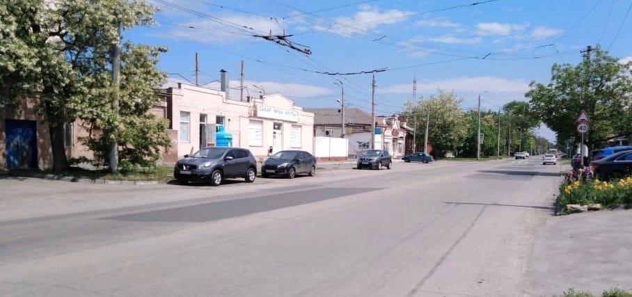 В городе Таганроге продолжается ремонт автомобильных дорог