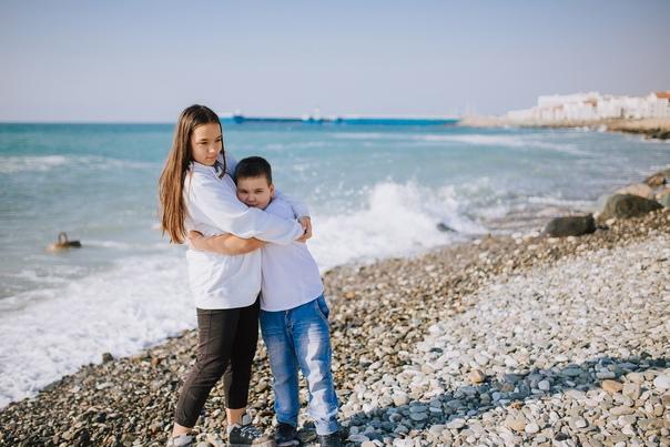Семейная фотосессия в Адлере.Аня и Катя 11.19