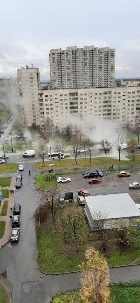 Петербуржцы заметили клубы пара на Шлиссельбургско...