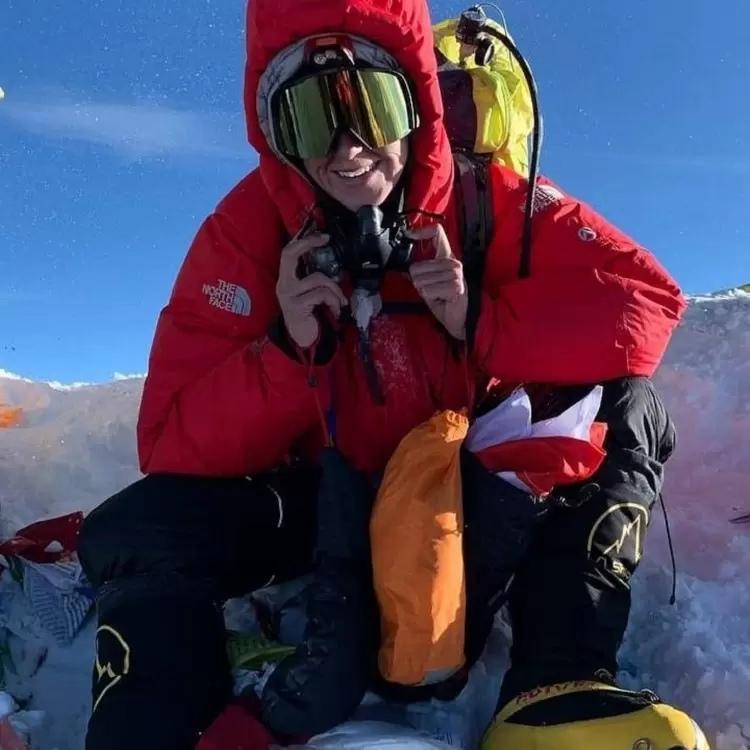 25 дней не мыть голову, видеть трупы альпинистов, заплатить $50 тысяч: первая бе...