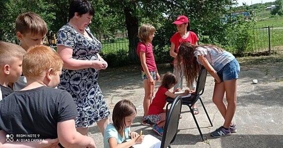 В сельских домах культуры дали старт летним каникулам: культработники проводят игровые и познавательные занятия со школьниками