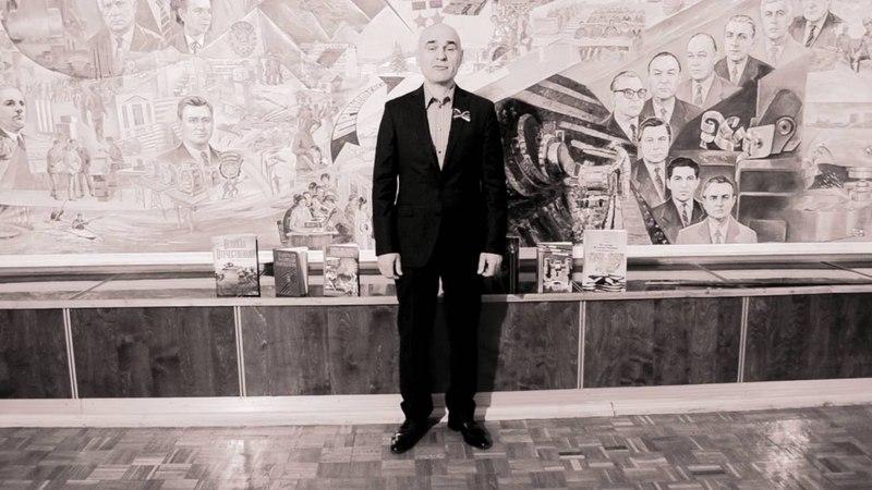 День Победы В Высоцкий Братские могилы Читает Павел Стефаненко