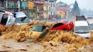 УЖАСНЫЕ КАДРЫ! Страшное наводнение в Лондоне, Лондон уходит под воду, потоп 25-26 июля 2021 года