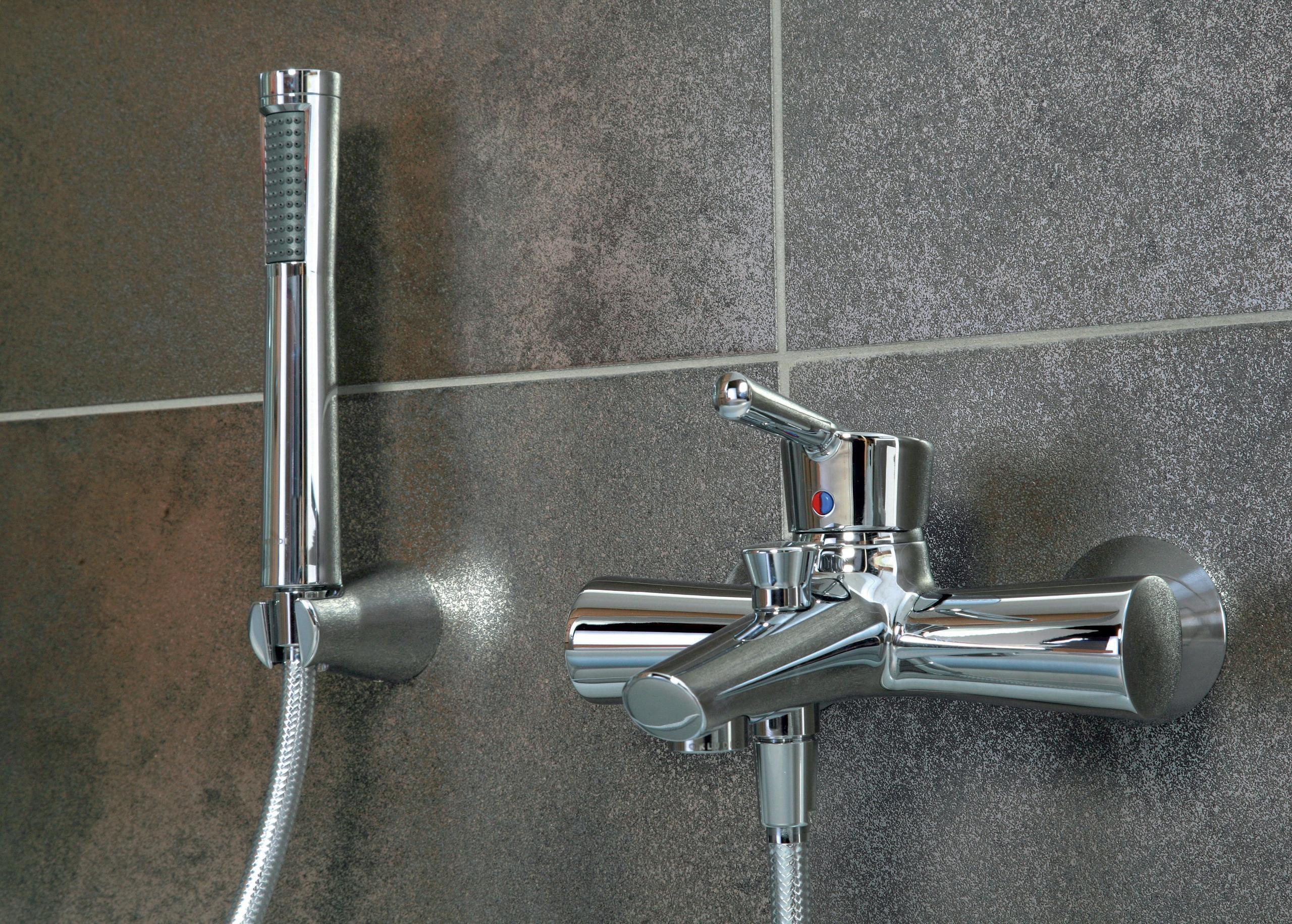 смеситель в ванную с душем