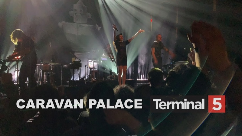 Caravan Palace at Terminal 5 - 2 - Black Betty Jolie coquine