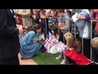 A little girl does a twirl for the Duchess in Blenheim!