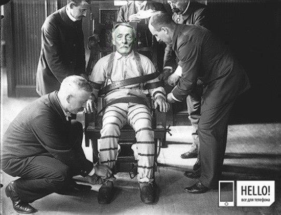 «Бруклинский Вампир» это самый страшный убийца в истории США Его звали Альберт Фиш (Albert Fish). В качестве жертв он выбирал только детей, которых убивал и