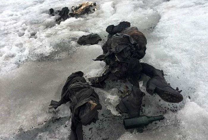 Что скрывают льды: 12 страшных находок, обнаруженных в ледниках, изображение №15